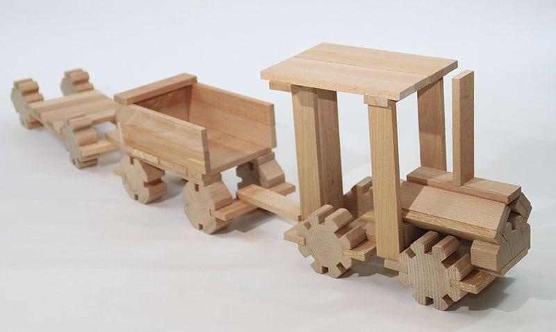 cochecito de madera
